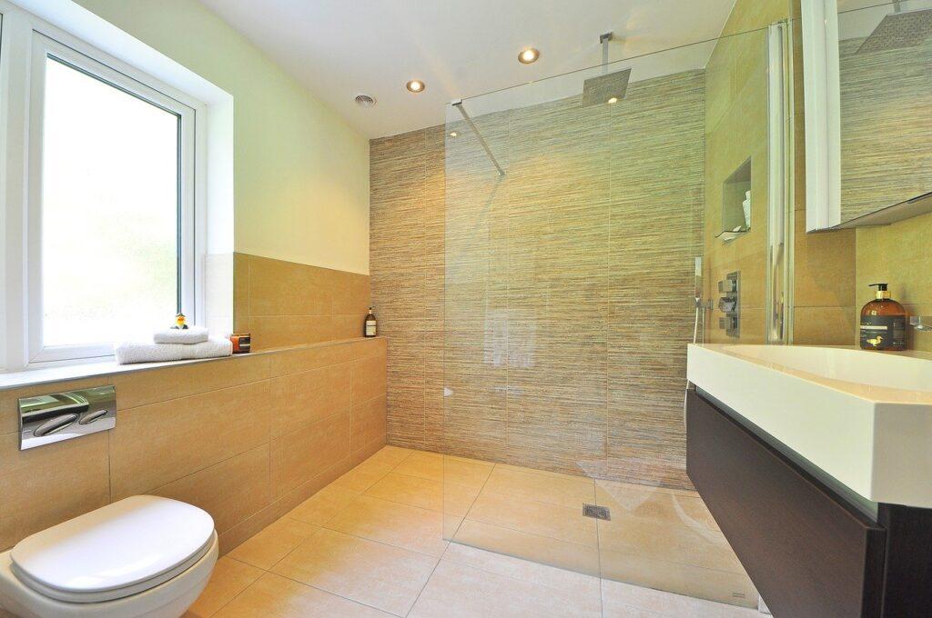 plafond de salle de bain