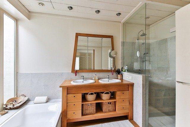 plafond de salle de bain avec plaque de plâtre